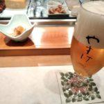 やすけ(唐津市)のカウンターでお寿司を食べる